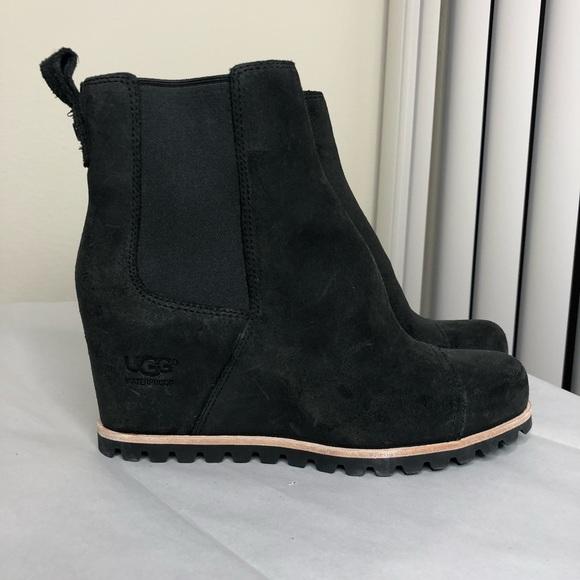 385e16855c9e NWOT UGG Pax Wedge Waterproof Boot. M 5be50f1003087cc0c1357f7e